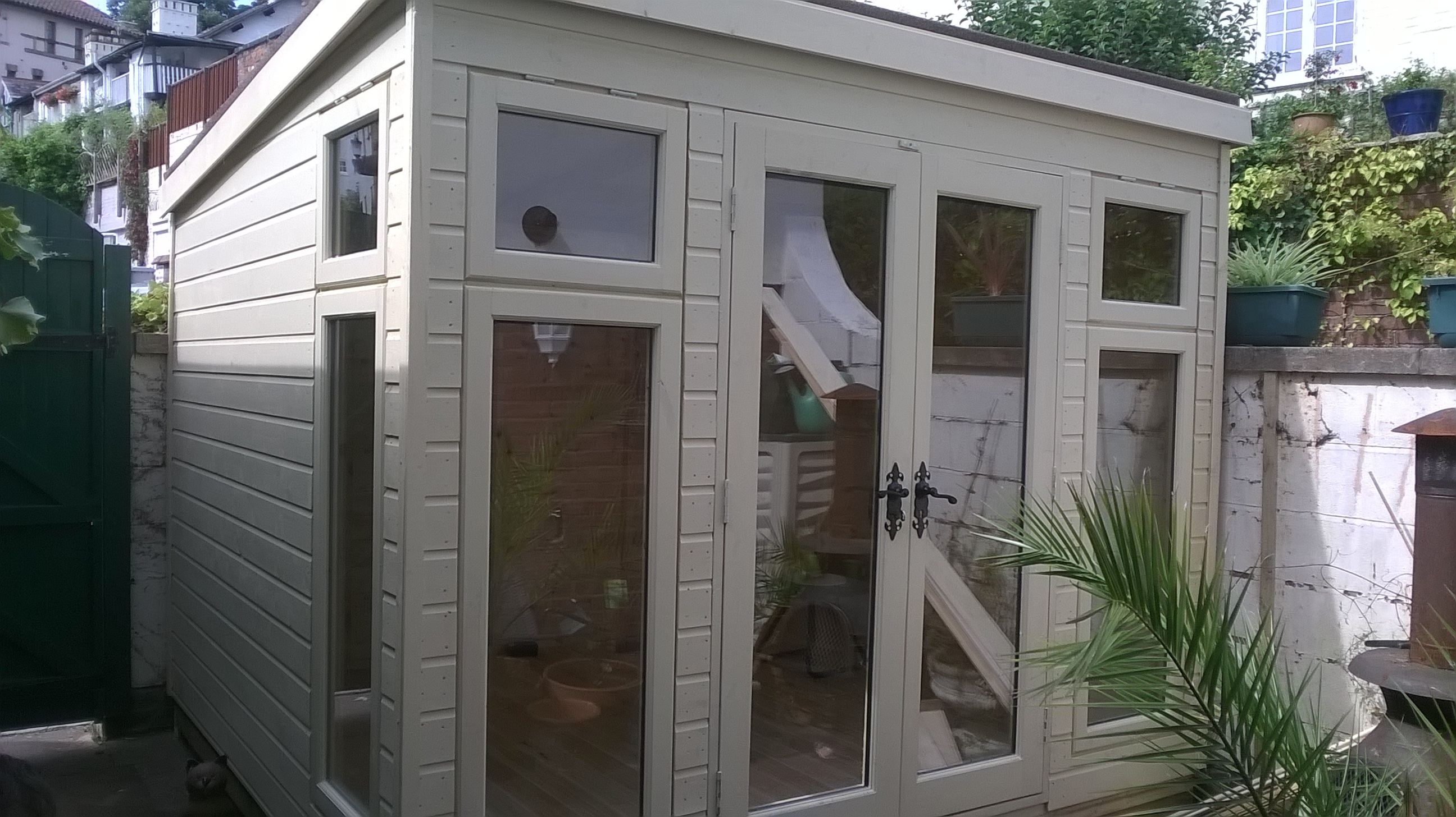 insulated-cabin-shed